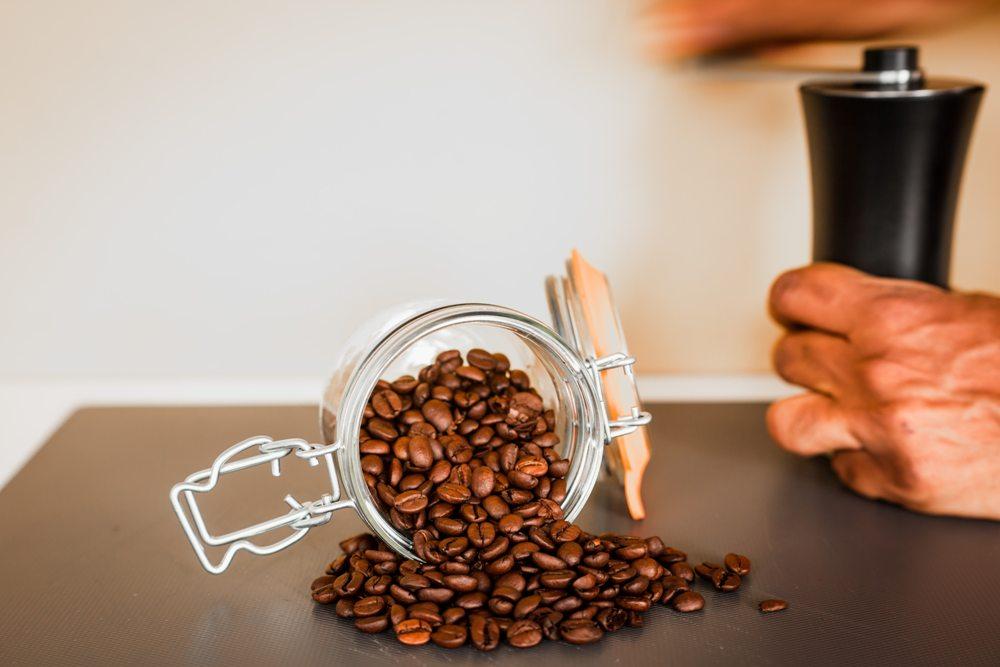 コーヒー豆の保存方法。温度や期間でどう変わる?おすすめ容器も紹介
