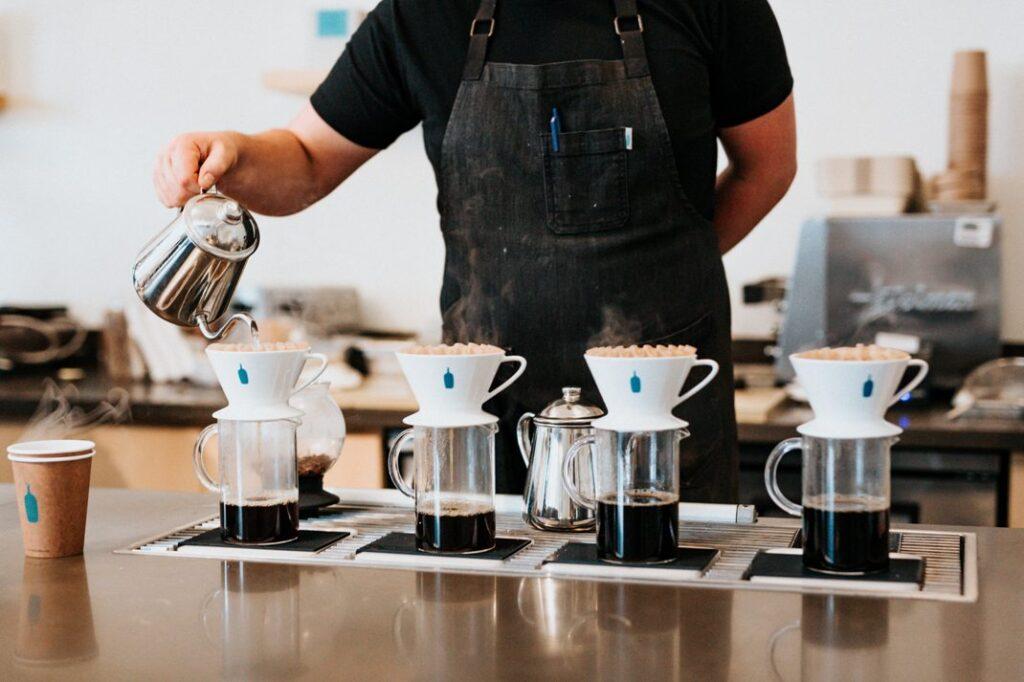 コーヒーフィルターの種類【ペーパー・布・金属】味はどう変わる?