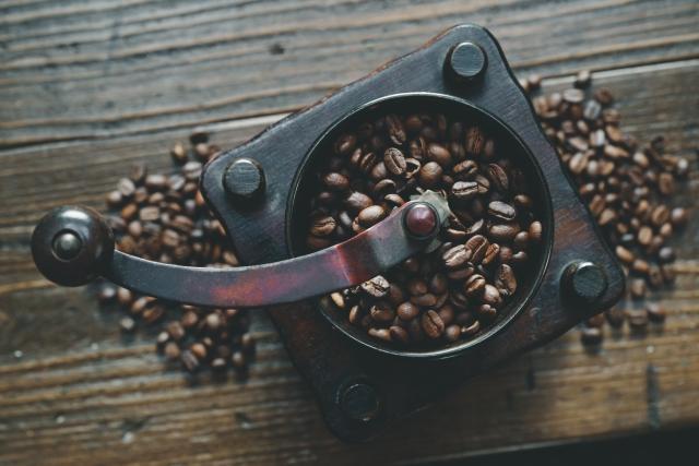電動・手動…コーヒーミルの種類と使い方のコツ