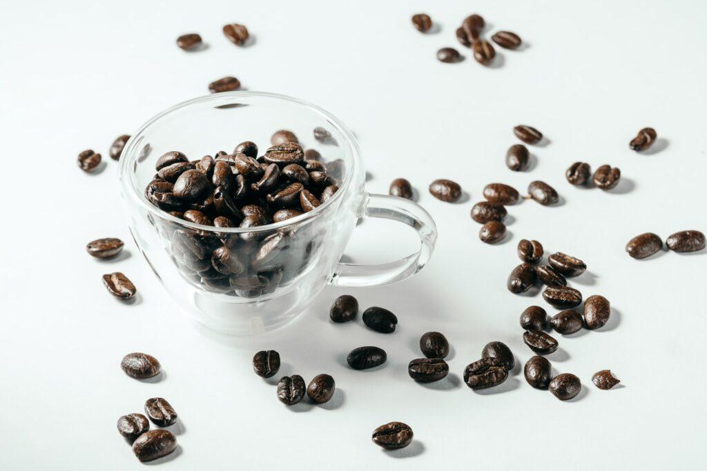 コーヒー豆の「中煎り」「深煎り」はどんな豆?