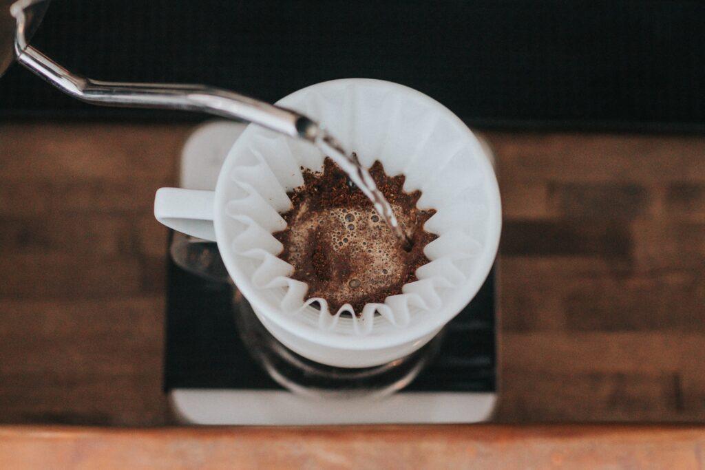 コーヒー豆がドリップ時に膨らまない理由と解決策